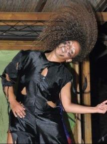 Afro contemporaneo con Samantha.